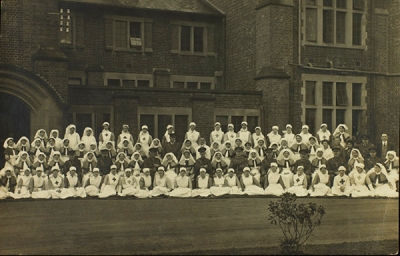War hospital staff (pc 2982)