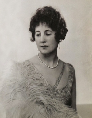 Photograph of Gladys, Dowager Lady Swaythling, taken by Dorothy Wilding [MS 383 A4000/6/1/5 f2]